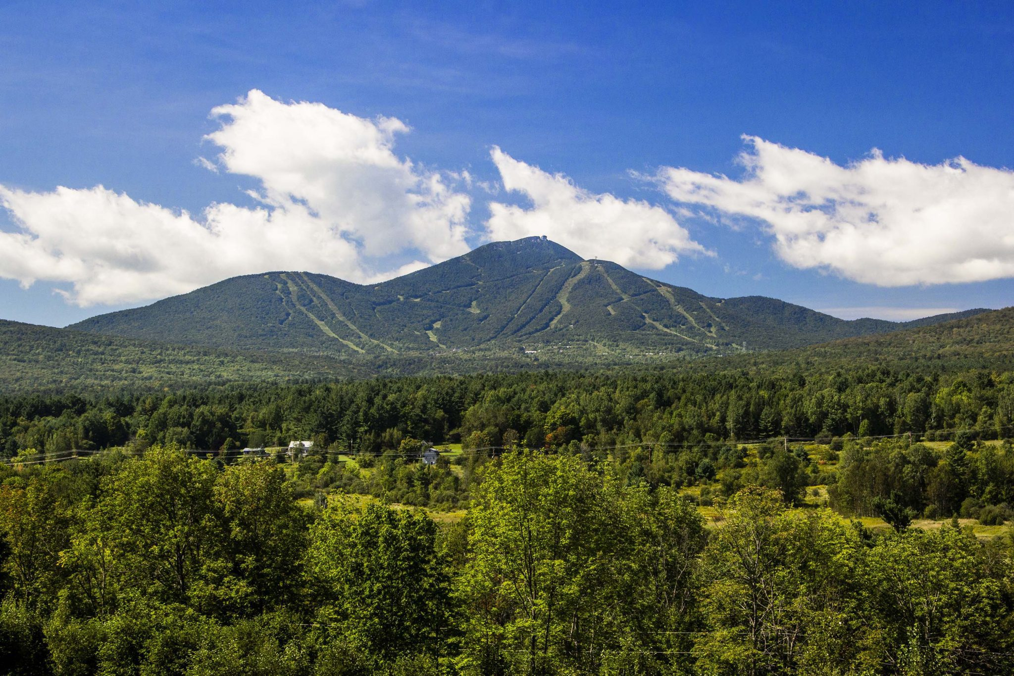 Jay_Peak_Mountain_Summer